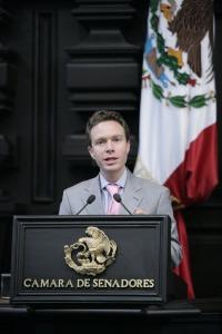 Manuel Velasco.